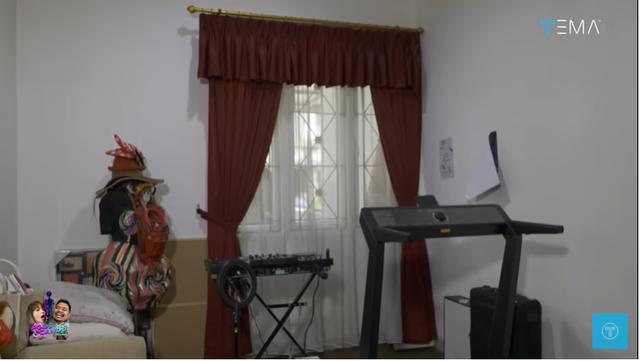 Melihat Isi Rumah Minimalis Dinar Candy, Ada Brankas Berisi Uang Rp 400 Juta (28124)