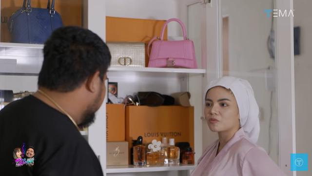 Melihat Isi Rumah Minimalis Dinar Candy, Ada Brankas Berisi Uang Rp 400 Juta (28128)