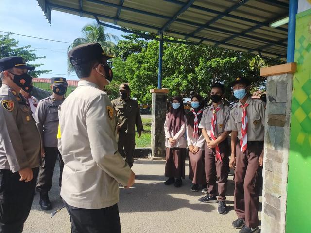 Kapolres Babar Cek Pos Pelayanan Operasi Ketupat di Pelabuhan Tanjung Kalian (381407)