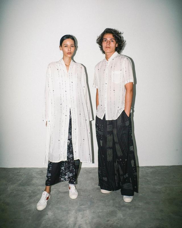 5 Rekomendasi Baju Couple untuk Tampil Kompak dengan Pasangan saat Lebaran (107555)