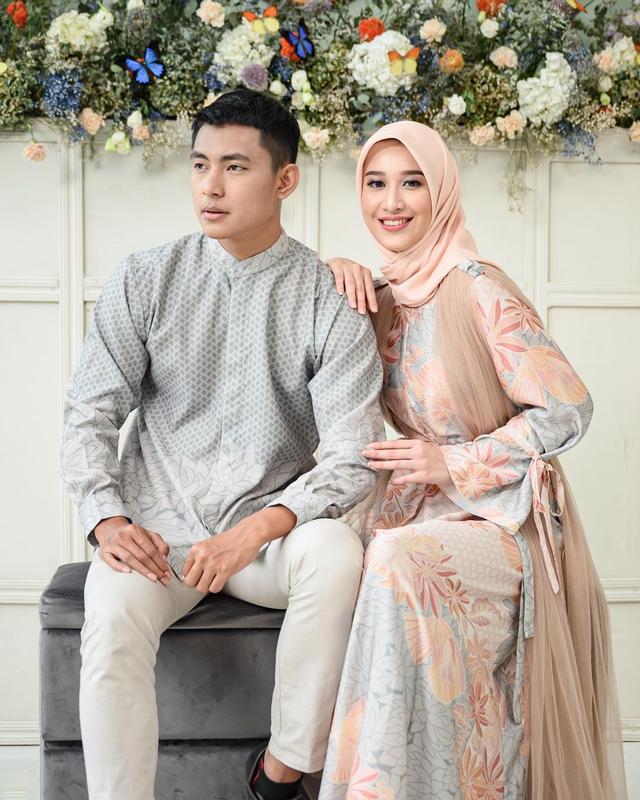 5 Rekomendasi Baju Couple untuk Tampil Kompak dengan Pasangan saat Lebaran (107553)