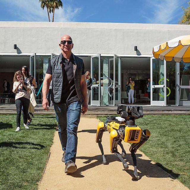 Orang Kaya Bebas! Jeff Bezos Bangun Kapal Pesiar Panjang 127 Meter, Ada Helipad (29721)