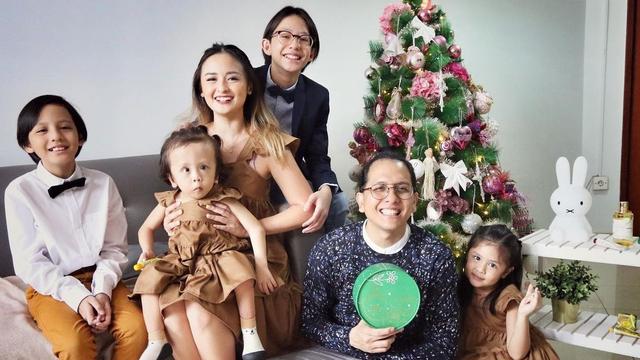 Jenazah Suami Joanna Alexandra Akan Dimakamkan di San Diego Hills (1)