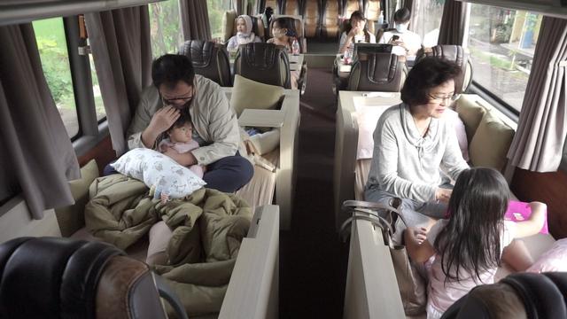 Bus Mewah Trans Jaya Asal Semarang, Ada Sofa, Meja Makan hingga Dapur! (23961)