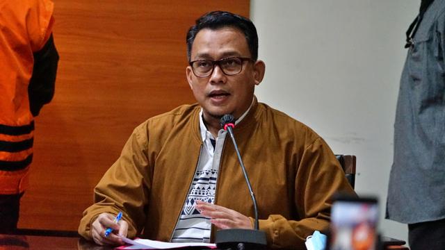 KPK Minta Hakim Tolak Praperadilan RJ Lino: 3 QCC Pelindo II Rugikan Negara (76081)