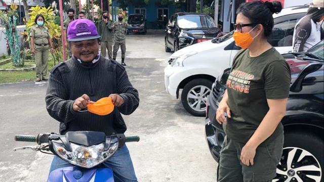Bupati Sitaro Ajak Warga Biasakan Hidup dengan Protokol Kesehatan Cegah COVID-19 (310556)