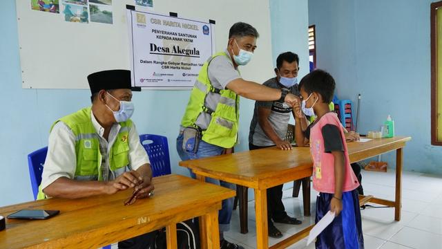 200 Anak Yatim di Halmahera Selatan Disantuni Harita Nickel (13602)