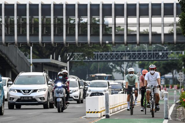 Ironis, Negara Maju Memuliakan, di Jakarta Jalur Sepeda Diusulkan Dibongkar (933859)