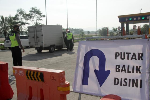 Polres Malang Waspadai Mobil Travel Bawa Pemudik Melalui Jalan Tikus (495167)