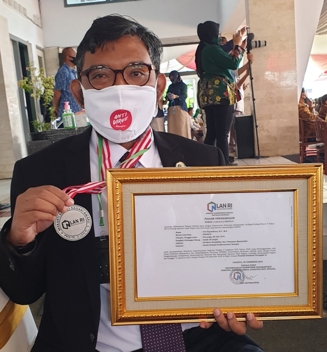Sujanarko, Pejabat KPK yang Dapat Penghargaan dari Jokowi, tapi Tak Lulus TWK (365036)