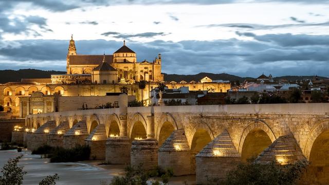 Sejarah Singkat Perkembangan Islam di Spanyol  (24405)