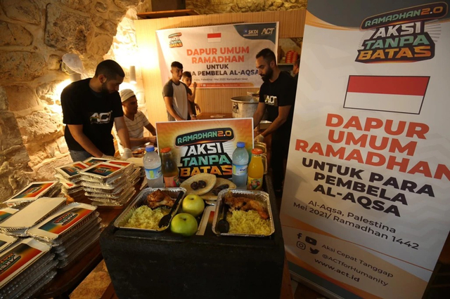 ACT Salurkan Hidangan Iftar Dukung Pejuang Palestina di Al Aqsa (56884)