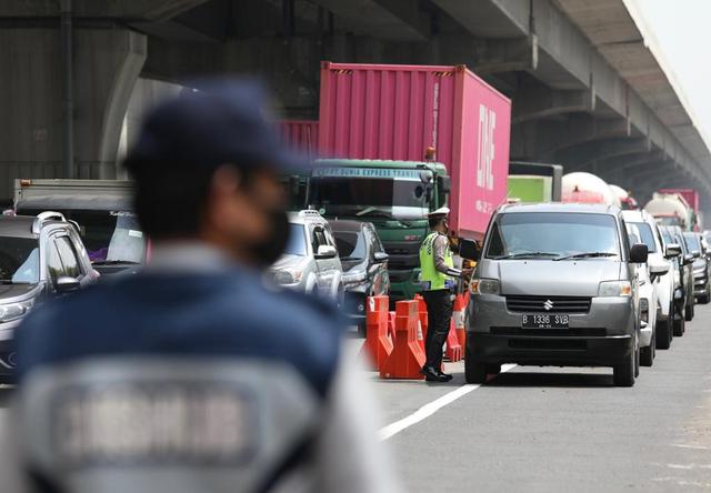 Larangan Mudik, 600 Ribu Kendaraan Diputar Balik dan 600 Travel Gelap Ditindak (121869)