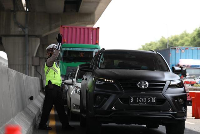 PPKM Darurat, Mobilitas Kendaraan Pribadi Juga Akan Dibatasi (611109)