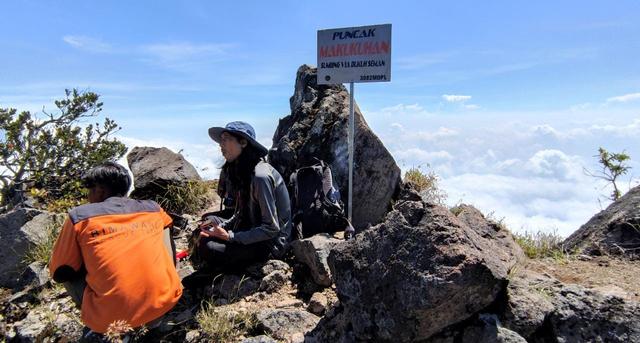 Menjajal Jalur Pendakian Baru Gunung Sumbing via Dukuh Seman (199088)