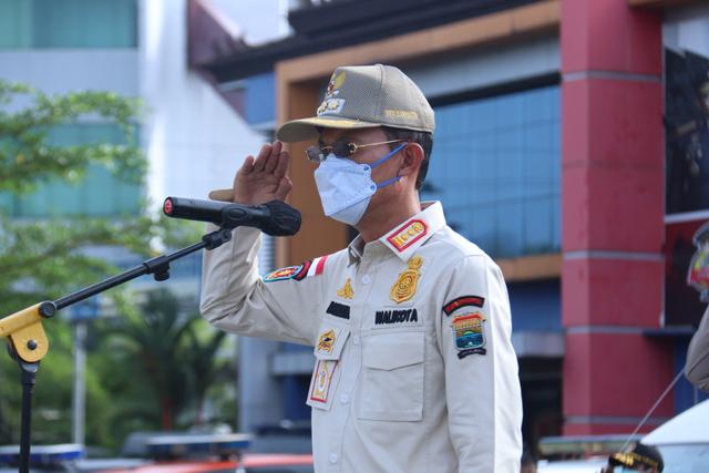 Mencegah Kerumunan di Palembang, Satpol PP Siaga di Pusat Perbelanjaan (786584)
