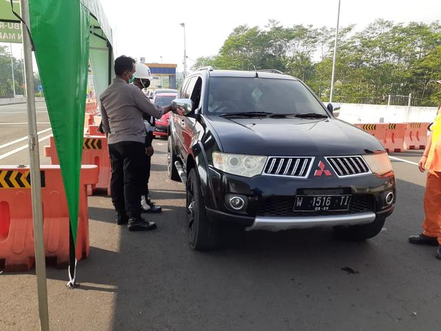 Hari Kedua Lebaran, 123 Mobil Masuk Kota Malang Diputar Balik (86239)