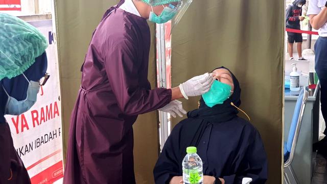 Penumpang KRL Jabodetabek Turun 17 Persen Selama PPKM Skala Mikro (378950)