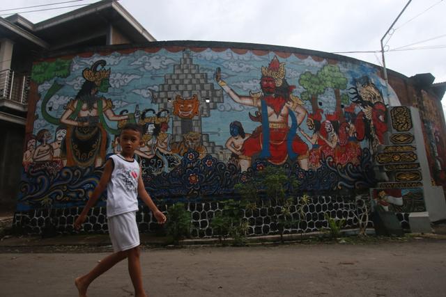 Foto: Padepokan Seni Topeng Malangan Asmoro Bangun di Tengah Pandemi (82531)