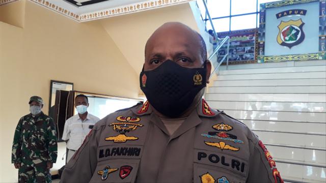 TNI Polri Tutup Jalur Perlintasan KKB Papua di Kabupaten Puncak (221947)