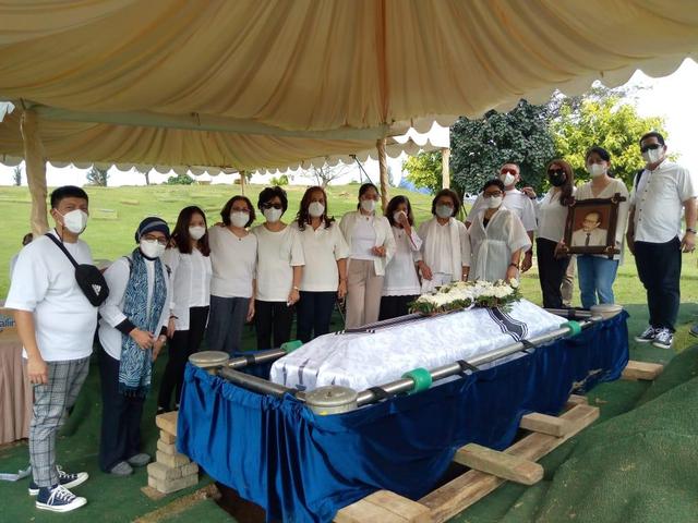Wartawan Senior Setiadi Tryman Wafat dalam Perjalanan ke RS, Ini Kisah Putrinya (411953)