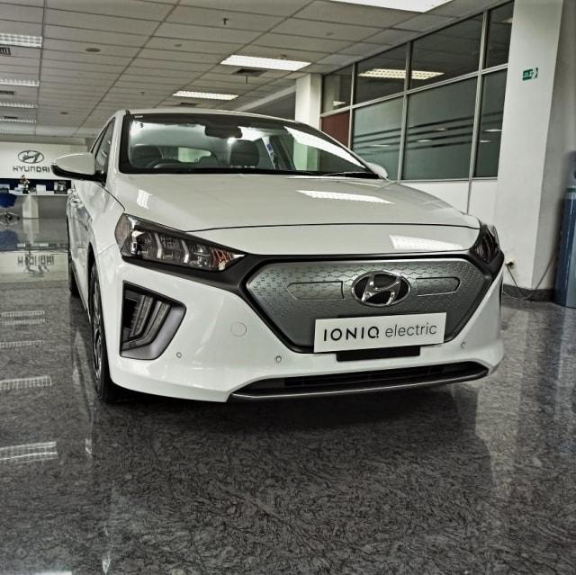 Update Harga Mobil Listrik di Indonesia, Ada yang Dihargai Rp 4 M! (321221)
