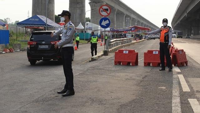9 Titik Penyekatan di Tol Jakarta-Cikampek: Dilakukan Sistem Buka Tutup (23590)