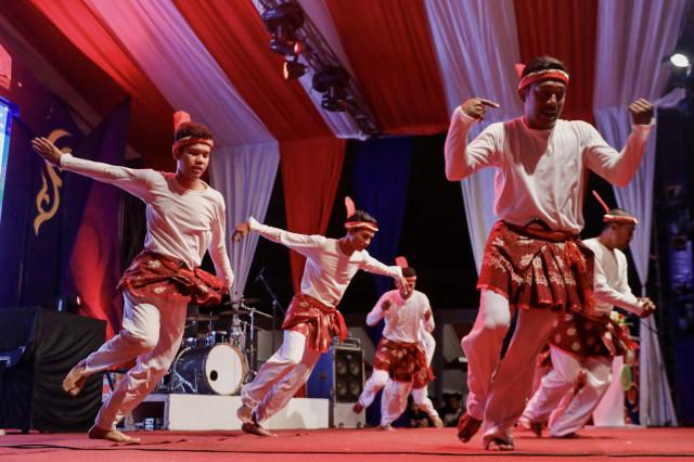 Bentuk Pola Lantai Tari Seudati dari Aceh (522242)