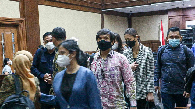 Foto: Cuap-cuap Para Mantan Sekretaris Pribadi Edhy Prabowo di Pengadilan (301299)