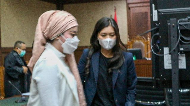 Foto: Cuap-cuap Para Mantan Sekretaris Pribadi Edhy Prabowo di Pengadilan (301301)