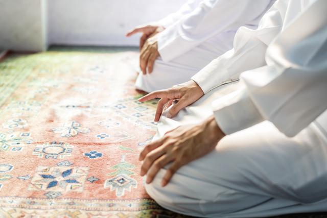 18 Rukun Sholat yang Perlu Dipahami Umat Muslim (13419)
