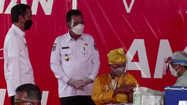 Tiba di Kepri, Jokowi Langsung Tinjau Vaksinasi COVID-19 di Lobam, Bintan (341770)