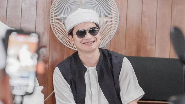 Tengah Jalani Proses Cerai, Alvin Faiz Santai Lihat sang Adik Menikah (33262)