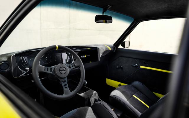 Disuntik Listrik, Opel Manta Kembali dengan Gaya Klasik (40275)