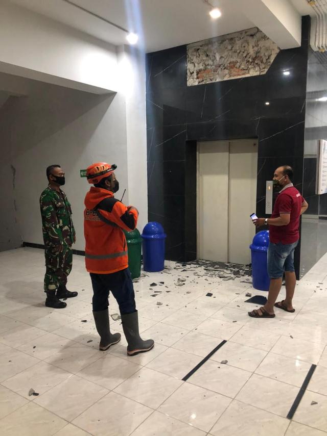 Puskesmas Wates dan Gedung IIK Bhakti Wiyata Kediri Rusak Akibat Gempa Blitar (304357)