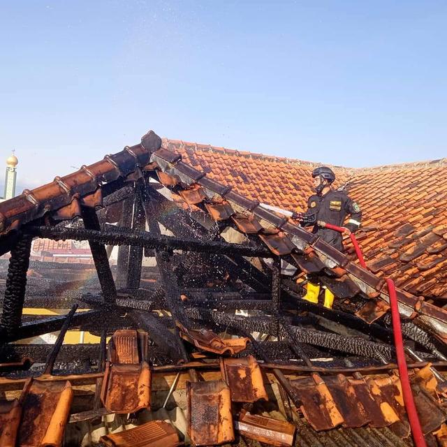 Tempat Usaha Pertamini di Kuningan Terbakar, Kerugian Capai Rp 215 Juta (1153838)