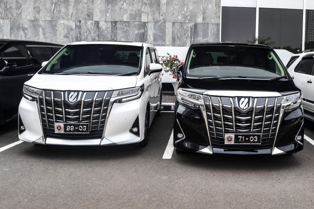 Foto: Melihat Lebih Dekat Pelat Mobil Khusus Anggota DPR  (169435)