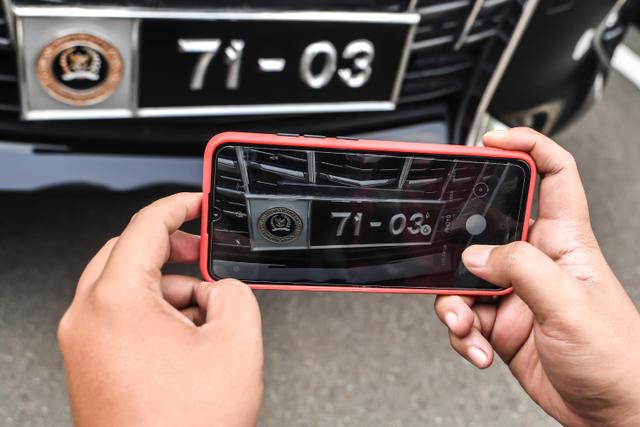 Foto: Melihat Lebih Dekat Pelat Mobil Khusus Anggota DPR  (169432)