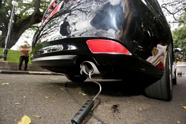 Pemkot Bandung Gelar Uji Emisi Gas Buang Kendaraan Bermotor Gratis (140453)