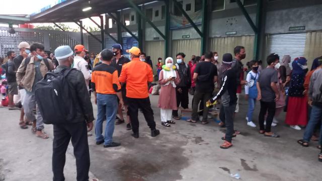 Masuk Lewat Dermaga Ikan Belitung, 159 Penumpang di Swab Massal (264389)