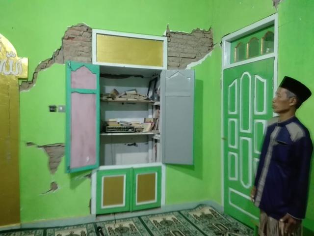 Masjid Sabilul Huda di Desa Srimulyo Minim Bantuan Pasca-Gempa Malang (20544)