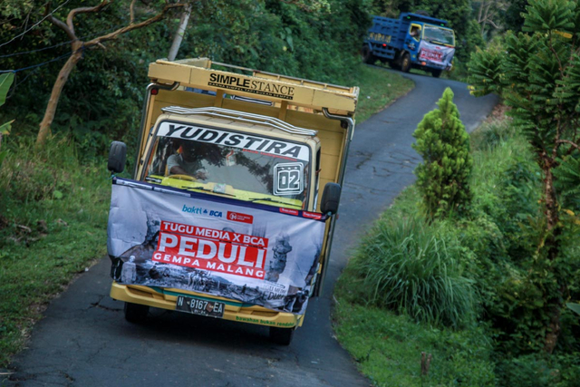 Foto: Penyaluran Donasi Gempa Malang oleh Tugu Media Peduli X Bakti BCA (1038192)