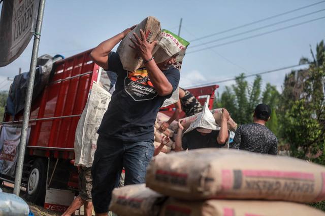 Foto: Penyaluran Donasi Gempa Malang oleh Tugu Media Peduli X Bakti BCA (1038194)