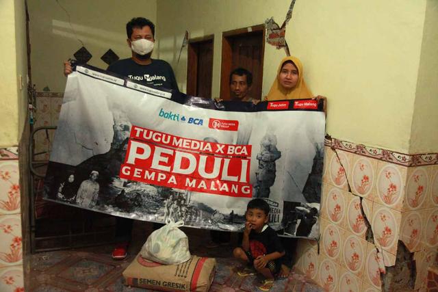Foto: Penyaluran Donasi Gempa Malang oleh Tugu Media Peduli X Bakti BCA (1038197)
