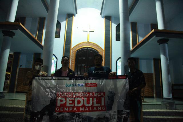 Foto: Penyaluran Donasi Gempa Malang oleh Tugu Media Peduli X Bakti BCA (1038199)