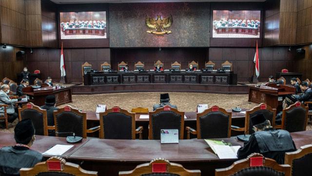 Public Trust dan Masalah Pengangkatan Hakim MK (854173)