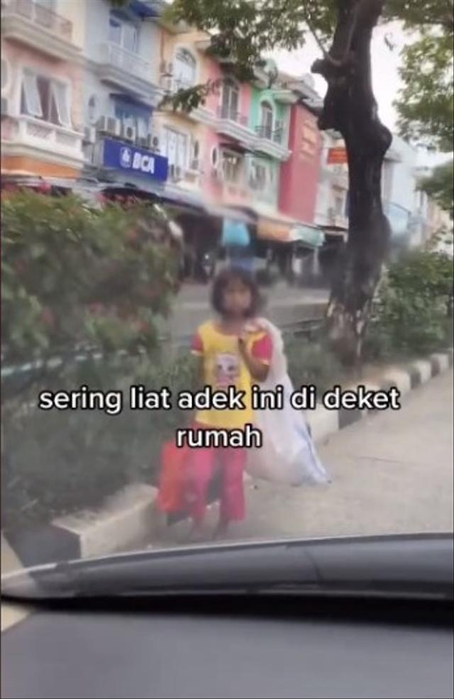 Gadis Kecil Pemulung Cuma Mau Air Minum Saat Diajak ke Minimarket, Kisahnya Haru (108917)