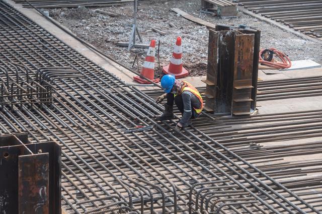 Foto: Melihat Progres Pembangunan MRT Fase II (364035)