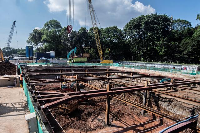 Foto: Melihat Progres Pembangunan MRT Fase II (364034)