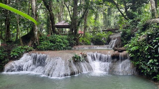Pesona Banggai, Air Terjun di Salodik, Savana di Lenyek  (638539)